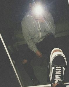 mirror pic looking good Aesthetic Boy, Aesthetic Grunge, Aesthetic Photo, Photography Poses For Men, Tumblr Photography, Applis Photo, Fake Photo, Mirror Pic, Grunge Boy