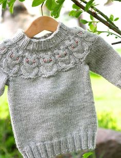 Owlet sweater, pattern: http://www.ravelry.com/patterns/library/owlet-2
