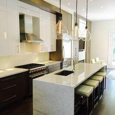 #kitchens #design #interiordesign #wolfoven #brokerinthecity #forsale #kitcheninspiration