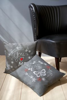 Vervaco, embroidery, cross stitch, quote, cushion, you love me, butterflies, flowers, grey, interior red, grey, cocktail sofa, vintage, retro, you love me