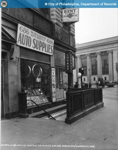 1936 - Broad Street Subway entrance and storefront windows
