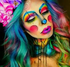 Save this Halloween rainbow clown makeup tutorial. make up face paintings beautiful 44 Times Halloween Face Paint Basically Blew Our Minds Looks Halloween, Halloween Face Makeup, Halloween Makeup Clown, Halloween Party, Halloween Circus, Amazing Halloween Makeup, Circus Clown, Zombie Makeup, Halloween Photos