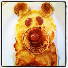 Mummy makes bear pancakes. Yum!