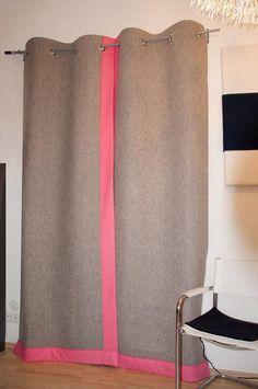 Dicker Filvorhang als Kälte- und Schallschutz. Wollfilz 5mm in Naturgrau mit Pink!  Maßanfertigung: monofaktur.de