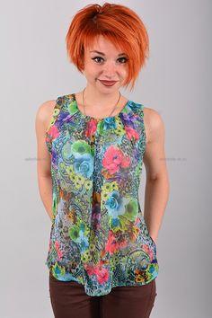Блуза В0418  Цена: 490 руб  Размеры: 42-50    Полупрозрачный стильная блуза с округлым вырезом горловины.  Выполнено из легкого материала с контрастным рисунком.  Модель свободного кроя, без рукавов.  Состав: 100 % шифон.  Рост модели на фото: 156 см.  (маломерит на размер)     http://odezhda-m.ru/products/bluza-v0418     #одежда #женщинам #блузкирубашки #одеждамаркет