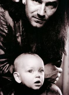Bono with his daughter Jordan Hewson in 1989 - photo: Anton Corbijn