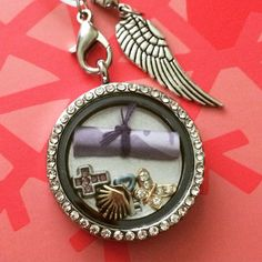 Add a special note to keep close to your heart!  www.facebook.com/memorylockets15
