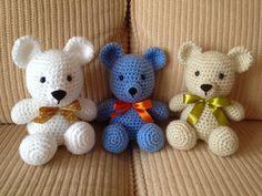 Ursinhos de crochê. Teddy bear amigurumi.