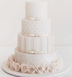 �������� @instaweddingfun #wedding #fun #luxury #bride #bridal #amazing #beautiful #luxurious #stunning #asianbride #weddingfun #brideandgroom #bridalshower #weddings #instaweddingfun #luxury #luxurylife #luxuryliving #beautiful #bridesmaids #bridesmaiddresses #bridesmaidhair #bridemakeup #bridalmakeup #bridalhair #flowers #weddingring #instaweddings #cake #weddingcakes #weddingshoes http://gelinshop.com/ipost/1523391699802644504/?code=BUkLK4Ag-AY