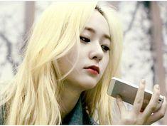 """""""@vousmevoyez #krystal #krystaljung #jungkrystal #fx#longhair #beauty #鄭秀晶 #fxkrystal…"""""""