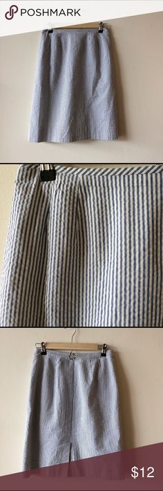 Cotton Navy stripped skirt Perfect for summer, and the office. 100% cotton in excellent used condition Skirts