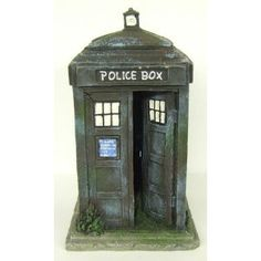 Doctor Who Tardis Aquarium Ornament - £27.99 +shipping, I really really want this for my future aquarium! And I am kinda upset that Doctor Who hasn't done an underwater episode yet. Just sayin.