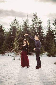 Winter engagement photos, Gold Creek Pond, WA, Picture Marvelous Photography