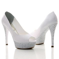 Glória e Nouvelle - dois dos modelos Nova Noiva Sapatos