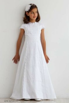 Shop sexy club dresses, jeans, shoes, bodysuits, skirts and more. Girls Baptism Dress, Girls First Communion Dresses, Holy Communion Dresses, Cute Dresses, Girls Dresses, Flower Girl Dresses, Kirchen, Dress Up, Bridesmaid Dresses