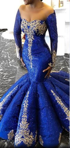 A very classic trending Aso ebi styles for the ladies. Evening Outfits, Evening Gowns, Prom Dresses, Formal Dresses, Wedding Dresses, Long Dresses, Elegant Dresses, Beautiful Dresses, Bridal Closet