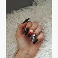 # Fall nail ideas checkered ⠀⠀⠀⠀⠀⠀⠀⠀⠀⠀⠀⠀✰- 5 practical ways to apply nail polish without errors Es ist fast eine Prüfung, Nagellack richti Grunge Nails, Edgy Nails, Aycrlic Nails, Stylish Nails, Trendy Nails, Swag Nails, Coffin Nails, Manicures, Black Nails