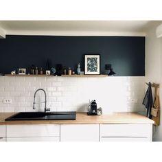 Wandfliesen CHARLOTTE uni mit abgeschrägten Kanten 10 x 20 cm - Modern Decor, Black Kitchens, Home, House Styles, New Homes, Home Deco, Rustic Kitchen, Bathrooms Remodel, Trendy Home