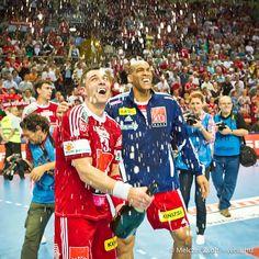 Bajnokcsapat 2011/12 Sport Icon, My Life, Icons, Sports, Fashion, Handball, Hs Sports, Moda, Fashion Styles