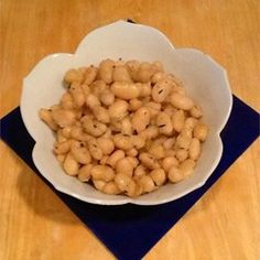 Fried White Beans with Sage Fried Butter, Butter Beans, Quinoa And Beans Recipe, Side Dish Recipes, Side Dishes, Beans And Cornbread, White Bean Recipes, Sauerkraut Recipes, Great Northern Beans