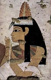 Eran expertos en la confección de pelucas, las usaban hombre y mujeres. Los hombres las llevaban sobre todo en festividades y ceremonias religiosas.