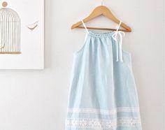 Túnica de verano azul niño niñas lino vestido Aqua-playa boda foto especial ocasión-playa--niños hecha a mano ropa por persiguiendo a Mini
