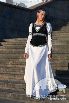 Mittelalter_Kleidung_Fuer_Frau_Dame kaufen