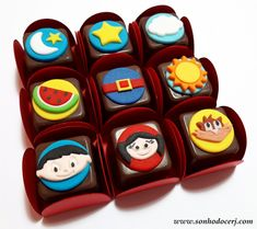 Blog_Bombom modelado_Show da luna_164119[2] Bolo Moana, Cupcakes, Alice, Party, Blog, Candy Boxes, Candy Party, Desserts, Meals