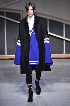 Raf Simons Fall Winter 2016 Paris Menswear Fashion Week  Copyright Catwalking.com 'One Time Only' Publication Editorial Use Only