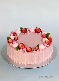 Leipoo sukkasillaan: Mansikka-valkosuklaamoussekakku Bithday Cake, Cute Birthday Cakes, Food Cakes, Cupcake Cakes, Pretty Cakes, Cute Cakes, Cake Recipes, Dessert Recipes, Fresh Fruit Cake