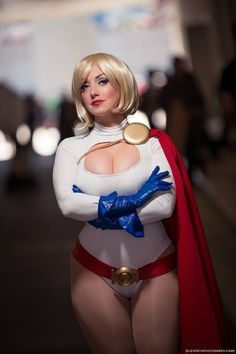 Character: Power Girl / From: DC Comics 'Power Girl' Solo Series / Cosplayer: Jaycee Cosplay