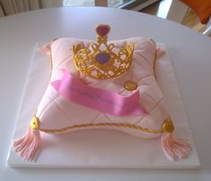 Princess Pillow Cake - Sorry to bore with yet another pillow cake.  But, this was a request from a friend who wanted a pillow cake with tiara for her daughter's b-day.  I had never done one and it was fun to do.  This design was inspired by fellow cc member helipops.  Anyway, hope you like it!