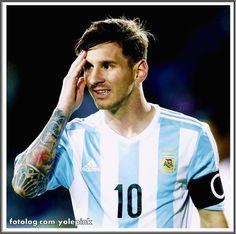 Argentina 2 - 2 Paraguai : Olá,  Argentina estreou ontem pela Copa América e só empatou com o Paraguai. Fizeram um excelente primeiro tempo, e com a vitória parcial por 2 x 0, pensaram que o jogo estava ganho, e levaram o empate, agora na próxima terça tem que vencer o Uruguai, senão as coisas vão se complicar.  Bjs | yolepink