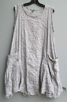 Discover thousands of images about NEW Summer Dress Sale Dress TO Kill Artsy Jane Mohr Lagenlook Linen Dresses, Casual Dresses, Women's Casual, Sleeveless Dresses, Dresses Uk, Summer Dresses Sale, Dress Sale, Dress Summer, Look Fashion