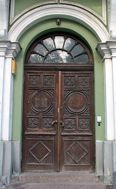 Estonia door