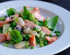 Billede af Lun salat med bagt laks og smørbønner