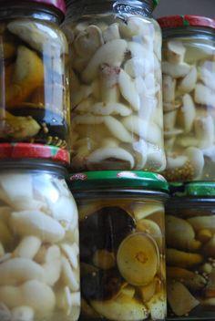 Marynowane grzyby do słoików Pickles, Cucumber, Stuffed Mushrooms, Jar, Recipes, Recipies, Stuff Mushrooms, Ripped Recipes, Pickle