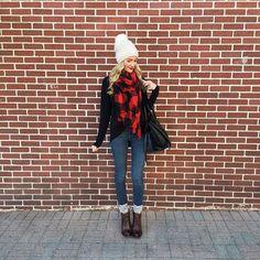 Red and black plaid scarf buffalo plaid scarf Plaid Scarf Outfit, Red Plaid Scarf, Plaid Outfits, Mom Outfits, Fall Photo Outfits, Fall Winter Outfits, Autumn Winter Fashion, Bild Outfits, Buffalo Plaid Scarf