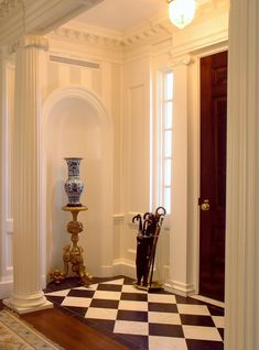 Neoclassical Entry Hall Hallway Foyer Architectural Detail Design Detail Greek Revival Neoclassical by Dell Mitchell Architects Interior Neoclásico, Classic Interior, Interior And Exterior, Interior Design, Design Entrée, House Design, Detail Design, Design Ideas, Hallway Decorating