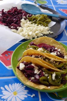 Hibiscus Flower and Cactus Tacos Add ancho chile pepper to dried hibiscus flower and pickled cactus strips and the result is a refreshing Hibiscus Flower and Cactus Taco! Tasty Vegetarian Recipes, Raw Food Recipes, Mexican Food Recipes, Healthy Recipes, Spanish Recipes, Unique Recipes, Healthy Meals, Delicious Recipes, Spanish Dishes