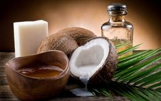 Coconut Oil Uses - tratamentos_oleo_coco 9 Reasons to Use Coconut Oil Daily Coconut Oil Will Set You Free — and Improve Your Health!Coconut Oil Fuels Your Metabolism! Coconut Oil Soap, Coconut Oil Beauty, Coconut Oil For Dogs, Coconut Oil Uses, Coconut Oil For Skin, Coconut Flour, Coconut Water, Coconut Cream, Coconut Allergy