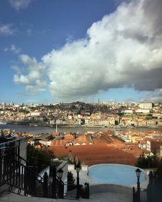 Seems like a good day for a swimming...?  #theyeatman #porto #gaia #douro #travel #hotels #instadaily #swimmingpool #blue #stormclouds #luxury #hotel #porto