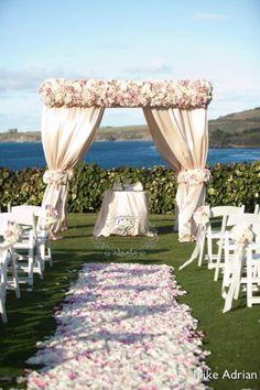 Decorações exuberantes para casamentos na praia. Destinos paradisíacos.