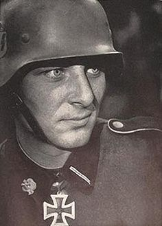 Fritz Christen:A German soldier single handedly took out 100 soldiers and 13 tanks before being rescued!