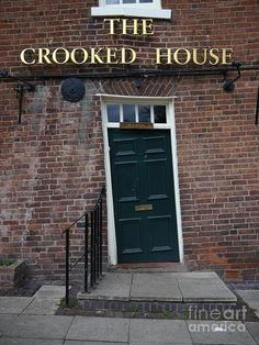 The Crooked House Pub in Himley, near Dudley,  Staffordshire UK. Built in 1765