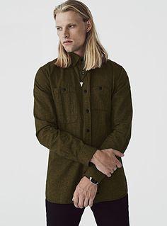 Exclusivité Djab     Effet tweed inspiration workwear   Deux poches de styles différents   Tissage pur coton    Le mannequin porte la taille moyen
