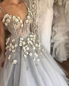 Sparkly Prom Dress, Long Floor Length ball gown quinceanera dresses Evening Dresses Glamorous Prom Dress light gray Graduaction Dresses These 2020 prom dresses include everything from sophisticated long prom gowns to short party dresses for prom. Floral Prom Dresses, Classy Prom Dresses, Chic Wedding Dresses, Ball Dresses, Elegant Dresses, Pretty Dresses, Ball Gowns, Evening Dresses, Sexy Dresses