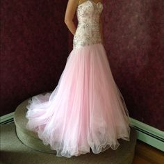 Pink Prom/pageant dress Sherri hill dress size 0, worn twice in Miss Teen Massachusetts 2016. Great for pageants or prom! Sherri Hill Dresses Strapless