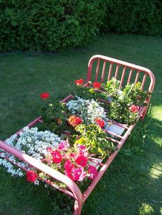 truly cool diy garden bed and planter ideas 00030 Diy Garden Bed, Big Garden, Garden Cottage, Raised Garden Beds, Garden Art, Garden Design, House Design, Outdoor Drapes, Natural Garden