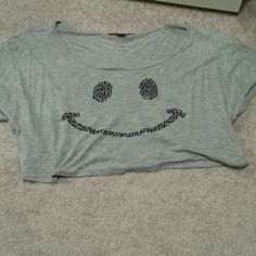 Smiley face crop top Only worn once. ❌ no trades Forever 21 Tops Crop Tops